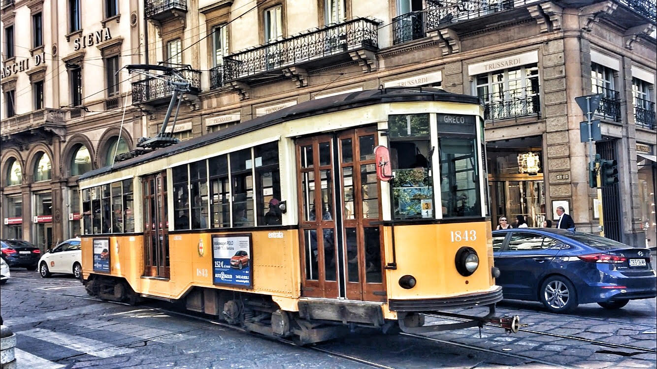tram milan city guide oeilhelene